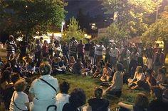 """Yeniköy Parkında halk forumuna saldırı - Gezi Parkı'nın polis tarafından boşaltılmasının ardından semt parklarında yaygınlaşan halk forumları devam ederken, dün gece Yeniköy'de kaygı verici bir gelişme yaşandı. Bir grup, forum için parkta toplananlara, """"İbadete karşı çıkıyorsunuz, Rumların peşinden geldiniz"""" diyerek müdahale etti. http://www.radikal.com.tr/turkiye/yenikoy_parkinda_halk_forumuna_saldiri-1138527"""