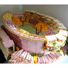 The Ultimate Party Snack Station made to look like the Super Bowl Stadium. For a super bowl party Party Platters, Party Trays, Deli Platters, Party Dishes, Party Buffet, Super Bowl Party, Plateau Charcuterie, Super Bowl Essen, Super Bowl Sunday