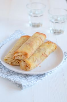 gezonde loempia's Tapas, I Love Food, Good Food, Yummy Food, Healthy Food, Fast Food, Sushi, Strudel, Small Meals