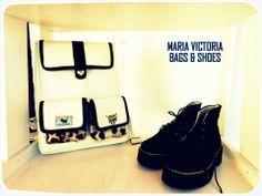 Mochila MV Zapatos Praga Material: Cuero  Vacuno Apliques: Dorados Fan page Carteras Maria Victoria