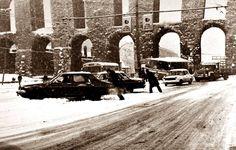 karlar altında #Saraçhane'de insanlar ve arabalar...#birzamanlar #istanbul  #istanlook