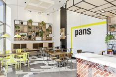 LEDS-C4 has supplied the lighting in the renewed image of  Pans & Company restaurants