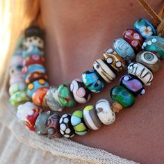 Nalu Beads - The Original Surf Bead. Love Nalu beads soooo much Fashion Accessories, Fashion Jewelry, Beading Tutorials, Beading Ideas, Handmade Beads, Handmade Items, Macrame Tutorial, Christmas Gift Guide, Surf Style