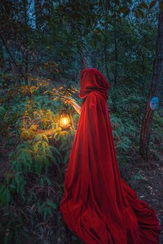 Fantasy & Fairy Tales - Photo Mysterious Forest by Leixiao Zhu on Foto Fantasy, Dark Fantasy, Fantasy Town, Fantasy Forest, Medieval Fantasy, Fantasy Photography, Portrait Photography, Mysterious Photography, Whimsical Photography
