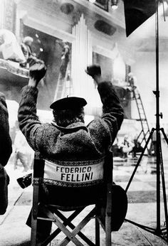 """""""There is no end. There is no beginning. There is only the infinite passion of life.""""Federico Fellini.  4 Oscar"""
