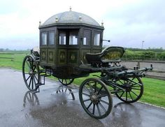 Maharaja of Mysore's 1825 State Carriage – to be auctioned in the UK on November 24 - TheTopTier - The Best in Luxury and Affluence. Horse And Buggy, Indian Artifacts, Horse Carriage, Creatures Of The Night, Fantasy Paintings, Gothic, The Infernal Devices, Horse Drawn, Old Antiques