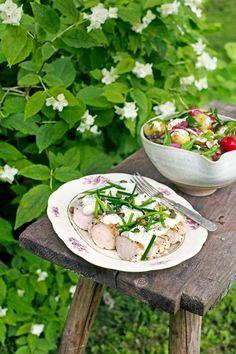 Skivad kyckling täcks med en ljuvlig majonnäs med kapris – både gott och lätt att förbereda