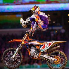 Ryan Dungey and Marvin Musquin Yamaha Motocross, Motorcross Bike, Motocross Riders, Scooter Motorcycle, Racing Motorcycles, Bmx, Motocross Girls, Motorcycle Wedding, Funny Motorcycle