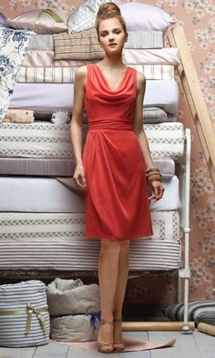 Graceful Sheath V-Neck Chiffon Knee-length Bridesmaid Dresses with Ruched KQ1404P916955 - Katequeen.com