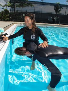 Girls Freediving Courses with Freediving Instructors International. Take a course! www.freedivinginstructors.com