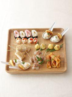 気心知れた友人たちとの集まりには、箸のいらないフィンガーフード風の盛り付けがおすすめ。/お正月の華やかレシピ(「はんど&はあと」2012年1月号)