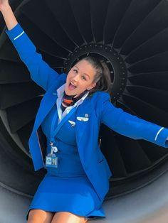 Flight Attendant Hot, Airline Attendant, Flight Girls, Jet Girl, Pilot Uniform, Female Pilot, Nylons And Pantyhose, Cabin Crew, Business Dresses