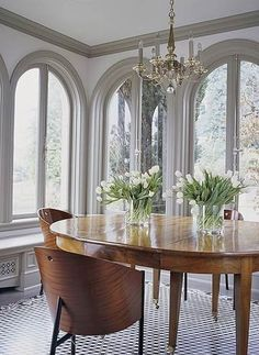 For a long time now, white-painted woodwork has been de rigeur in the domestic interior, so much so that it& almost a foregone conclusion Interior Trim, Interior Exterior, Interior Design, Interior Windows, Exterior Paint, Interior Architecture, Dark Trim, Grey Trim, White Trim