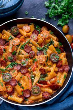 Tomato Recipes One Pot Creamy Tomato and Chorizo Rigatoni with mozzarella and parmesan - a quick and easy mid-week dinner, ready in less than 25 mins! Tapas Recipes, Vegetarian Recipes, Cooking Recipes, Healthy Recipes, Savoury Recipes, Cooking Gadgets, Turkey Recipes, Pizza Recipes, Chicken And Chorizo Pasta