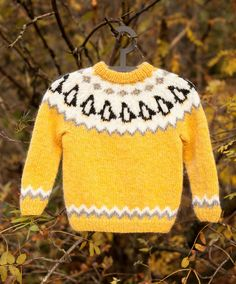 Kids Lopapeysa, Icelandic Wool Sweater, Pinguin Pullover, Lettlopi Childrens Sweater, Hand Knit Kids Pullover Custom Made Crochet Baby Sweater Pattern, Baby Sweater Patterns, Baby Sweaters, Wool Sweaters, Knitting For Kids, Hand Knitting, Baby Pullover Muster, Pull Bebe, Icelandic Sweaters