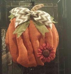 Fall pumpkin wreath #wreath