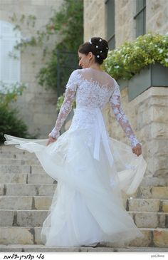 Beautiful Mira Zwillinger gown