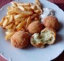 Cuketové kulky se sýrem | NejRecept.cz Baked Potato, Potato Salad, Potatoes, Baking, Ethnic Recipes, Fitness, Food, Patisserie, Potato