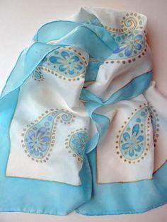 Seda, pintada a mano bufanda, diseño paisley azul de bebé y vainillado