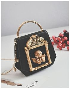 chain bags Material: PU leather Lining Material: Polyester Handle Material: Metal Closure Type: Zipper Type: Luxury Purses, Luxury Bags, Luxury Handbags, Fashion Handbags, Fashion Bags, Travel Handbags, Fashion Trends, Popular Handbags, Cute Handbags