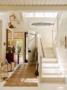 House Tour :: This Seaside Cottage in Maine is Basically My Dream Home - coco kelley coco kelley Maine Cottage, Beach Cottage Style, Coastal Cottage, Cottage Homes, Maine House, Coastal Decor, House By The Sea, Coastal Living Rooms, Foyer Decorating