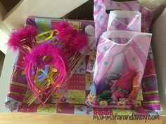 Gift Wrapping, Dance, Mini, Gifts, Gift Wrapping Paper, Dancing, Presents, Wrapping Gifts, Favors