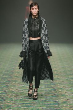 NOWFASHION: Real Time Fashion News, Photography Streaming and Live Fashion Shows...Jorya