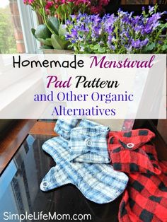 Homemade Menstrual Pad Pattern and Organic Alternatives. Toxins in pads and tampons lead us to seek organic alternatives to feminine hygiene. Sewing Crafts, Sewing Projects, Diy Projects, Diy Crafts, Sewing Ideas, Sewing Patterns, Sewing Stitches, Sewing Diy, Project Ideas