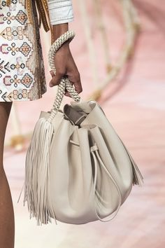 Ulla Johnson at New York Fashion Week Spring 2020 - Details Runway Photos Cheap Purses, Cheap Handbags, Cute Purses, Purses And Bags, Luxury Handbags, Tote Handbags, Crossbody Bags, Tote Bag, Fashion Handbags