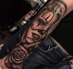Brunasn__ 🍒 Chicano Tattoos Sleeve, Skull Tattoos, Body Art Tattoos, Hand Tattoos, Payasa Tattoo, Clown Tattoo, Girl Face Tattoo, Girl Tattoos, Tattoos For Guys