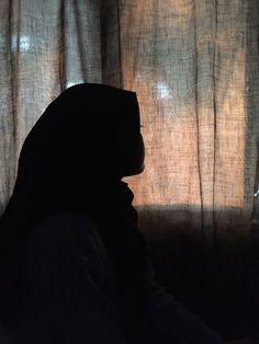 Girl Hijab, Aesthetic Girl, Ulzzang, Iphone Wallpaper, Poses, Random, Girls, Beautiful, Collection