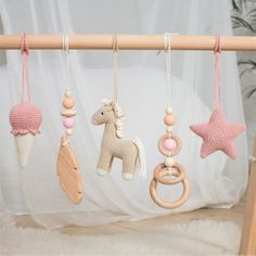 Baby Gym, Baby Play, Regalo Baby Shower, Baby Shower Gifts, Baby Gifts, Wooden Feather, Feather Mobile, Wooden Rabbit, Diy Bebe
