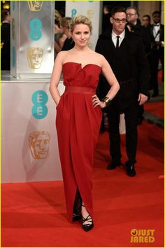 dianna agron baftas 2015 02 Dianna Agron looks absolutely beautiful in her ravishing red gown while walking the carpet at the 2015 EE British Academy Film Awards held at The Royal Opera House…