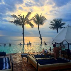 Potato Head Beach Club - Bali @echamilton https://bunniesandsunshine.wordpress.com/2016/02/21/potato-head-beach-club-bali/ #bali #sunset #beachclub #infinitypool #seminyak