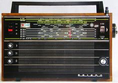 This radio is a fixture in most of my earliest memories. Radios, Lps, Love Radio, Nostalgia, Cuba, Receptor, Recording Studio Home, Antique Radio, Short Waves