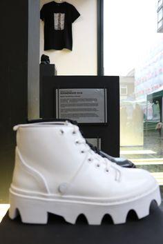 c91c9fb86c95f UNDERGROUND SHOES. The Evolution Jungle Boot. White Leather.   undergroundshoe  undergroundshoes  undergroundlondon  8berwickstreet   underground halfmoon ...
