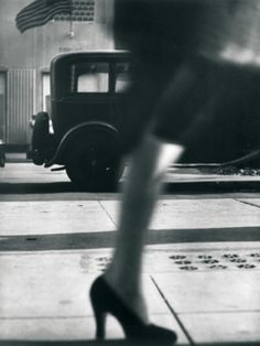 Lisette Model - Running legs, 5th Avenue, New York, 1940/1941