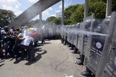#photooftheday #prayforvenezuela #picoftheday #wakethefuckup #resistencia #revolutionoflove #today #instamoment #imyourvoicevenezuela #instagood   #adelantevenezuelaeninstagram #adelantevenezuela #armatubarricada #arribavenezuela #sosvenezuela #fromwhereiwalk #helpvenezuela #lasalida #conclu1mes #cnne #cnñ #venezuela #breakingnews #newstoday #nbcnewspics #news  #meduelesvenezuela #madresporvenezuela #moment  @CNN iReport