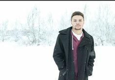 Senior pictures,  Warren Flye #seniorpicture #winterseniorpicture #snow #guys Winter Senior Pictures, Senior Pics, Snow Style, Snow Fashion, Raincoat, Guys, Photos, Photography, Jackets