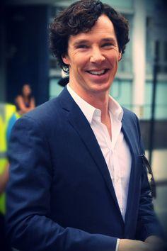 Benedict Cumberbatch dressed as Sherlock...ah <3