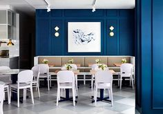 CONCIERGE: This Melbourne cafe is inspired by Kate Middleton! An unlikely muse for a cafe in Melbourne's inner city suburb of Prahan, The Duchess of Cambridge Kate Middleton, is indeed the inspiration behind Middletown — Australia's first cafe named after the royal. The deep blue walls suggest a nod to Kate's engagement dress. Every detail has been meticulously thought out. For the full gallery, see link in bio. Photography by @peterclarkephoto. #VogueLiving #loveVL #Melbourne #cafes…