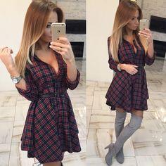 Lindos e sexy vestido xadrez com decote v, manga longa e saia rodada. Perfeito para animar seu inverno!