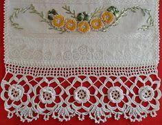Artesanato Voni Gorck: Toalhas - Trabalho em sianinha!!! Machine Embroidery, Rugs, Crochet, Crafts, Home Decor, Stitching, Top, Crochet Appliques, Satin Ribbons