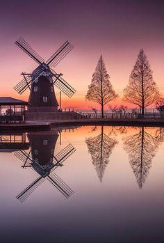 It's a beautiful world Reflection Photography, Landscape Photography, Nature Photography, Travel Photography, Holland Windmills, Old Windmills, Beautiful World, Beautiful Images, Jolie Photo