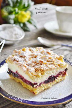 Z miłości do słodkości...: Kruche ciasto z owocami i budyniową pianką