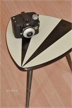 Blumenhocker Nierentisch 60er Jahre von art.of.66 auf DaWanda.com Pattern Art, Color Patterns, Vintage Colors, Scandinavian, New Homes, Mid Century, Colours, Style, Kidney Table