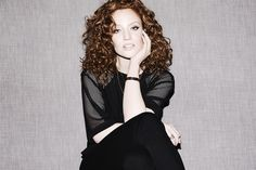 British singer Jess Glynne talks about her hair, not wanting to cover up her freckles, and the manicurist she shares with Jessie J. Jess Glynne, Hottest Female Celebrities, Makeup Routine, Curly Girl, Female Singers, Woman Crush, Girl Crushes, Her Hair, Curly Hair Styles