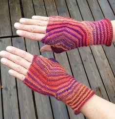 Hexagon Mitts - are knitted in one part without cutting the yarn - pattern by Sybil Ramkin