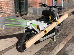 Small circular-saw cutting job. Transporting saw and dust collection systainer and sawtrack through town in no time. Cargo Bike, Circular Saw, Dust Collection, Perfect Match, Larry, Circular Saw Table