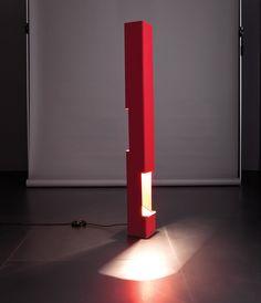 Vittoriano Viganò  Luminator mod.1078 Alluminio laccato, metallo ricoperto da vernice raggrinzante. Prod. Arteluce, 1960 ca.